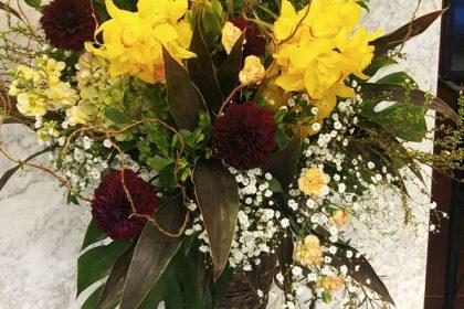 舞台公演祝いのスタンド花 二子玉川の花屋ネイティブフラワーイーダ
